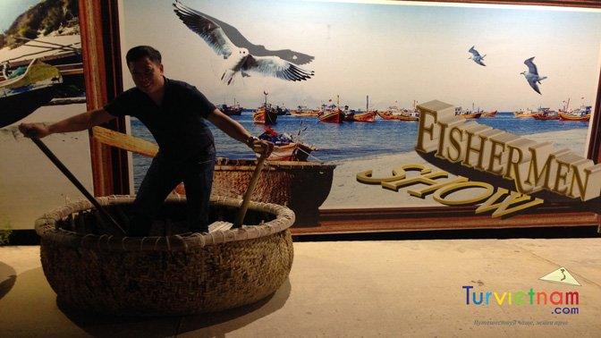 Fisher Men Show- Mui Ne- Viet Nam- TurVietNam